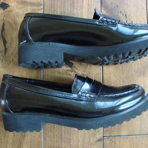 Steve Madden Milliee Black Patent Loafers ~ 36